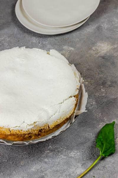 vegan-rhubarb-meringue-cake