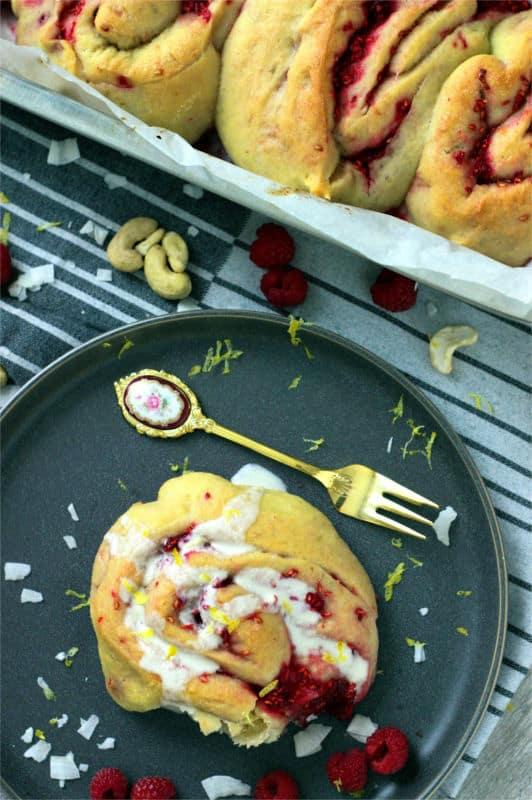 lemon raspberry buns