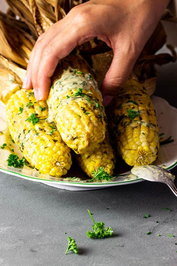 vegan corn on the cob recipe wit tahini sauce