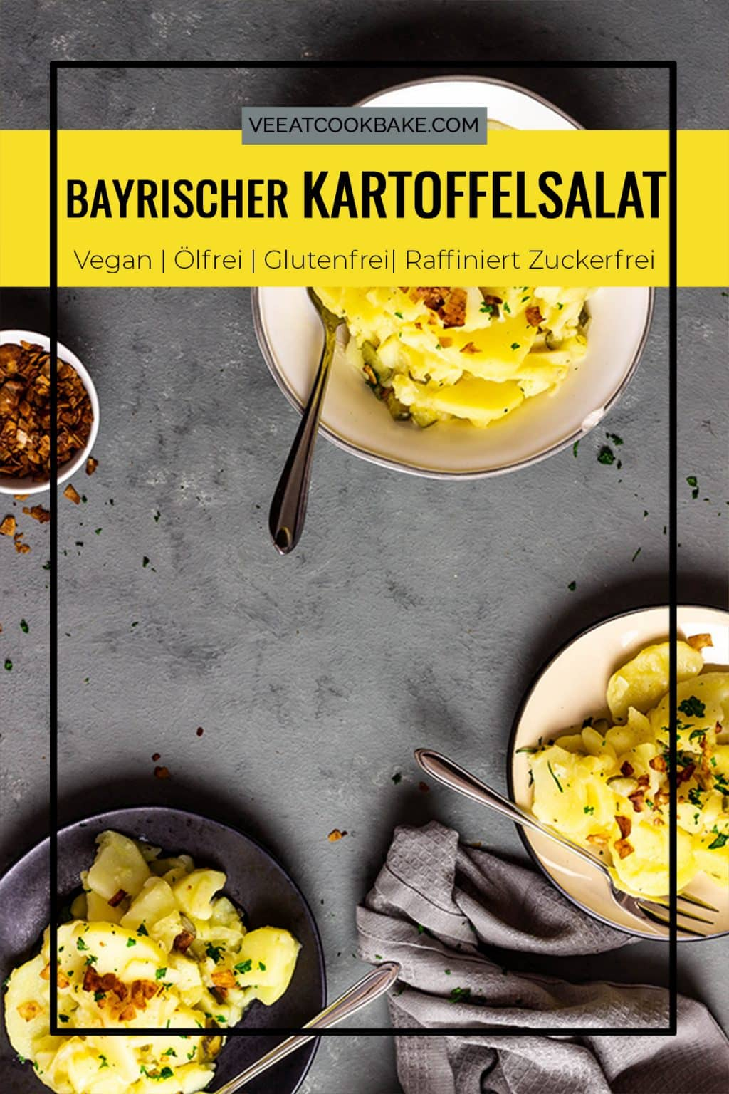 Bayrisch veganer Kartoffelsalat - wer liebt nicht Kartoffelsalate an Grillfesten, Picknicks oder anderen Veranstaltungen?! Und dieser bayrisch vegane Kartoffelsalat lässt dich in keinster Weise einen traditionellen Kartoffelsalat mit Öl, Mayo, vermissen.