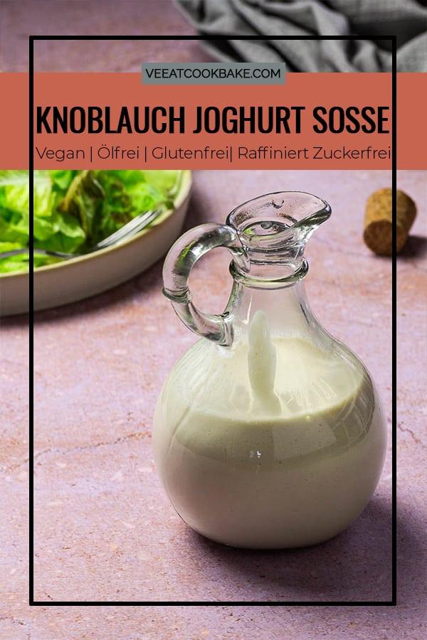 Vegane Knoblauch Joghurt Soße in einer Flasche