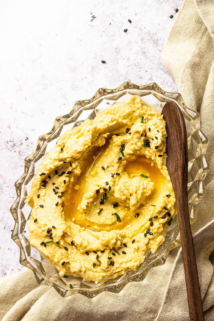 Creamy classic hummus without oil made with tahini, cookied chickpeas, lemon juice. Perfect vegan Dip or gluten-free spread