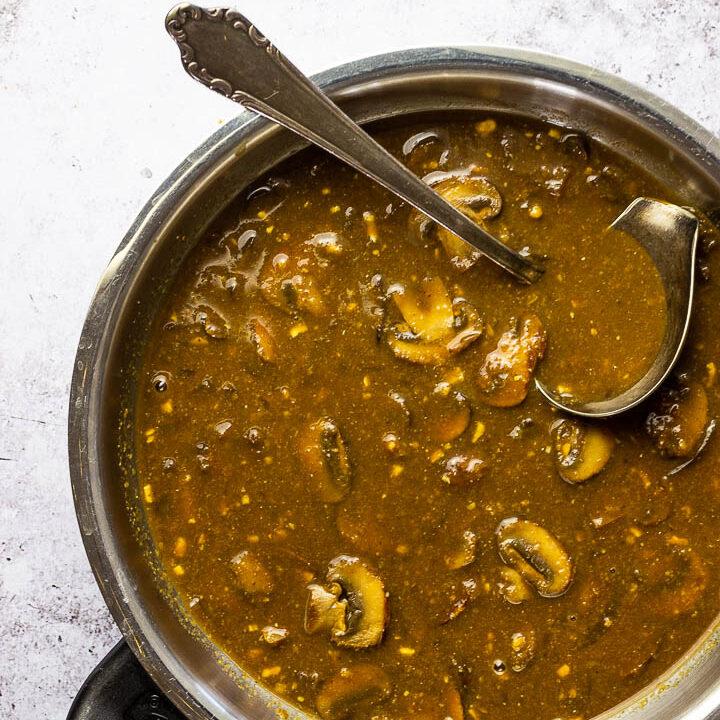 Quick vegan Mushroom Gravy - a flavorful recipe