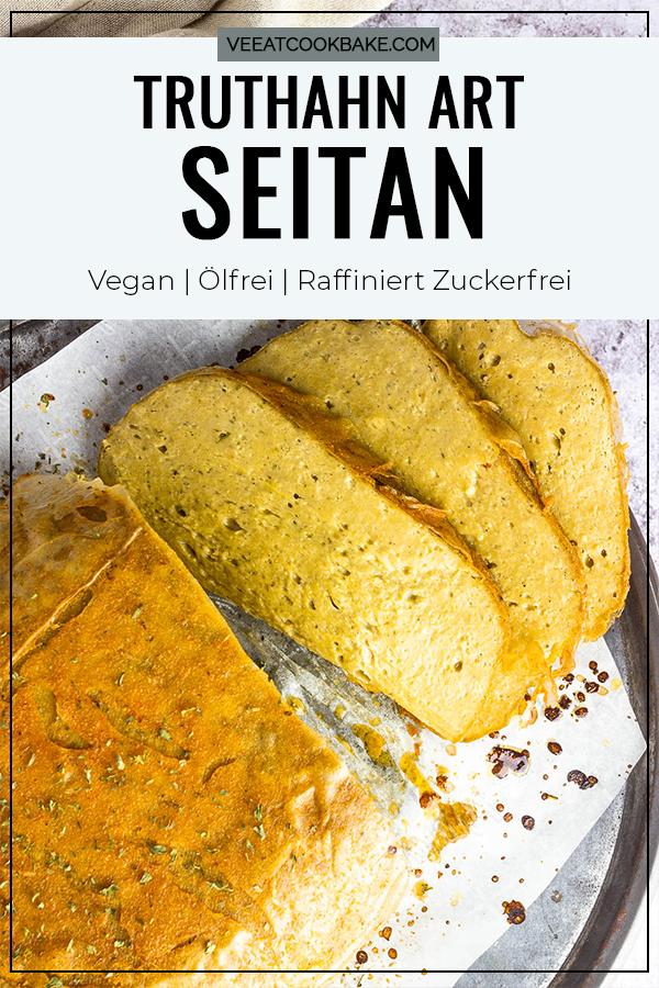 Veganer Truthahn Braten Seitan auf einem Teller zubereitet mit Kichererbsen, Tahini und einer geschmackvollen Gewürzmischung