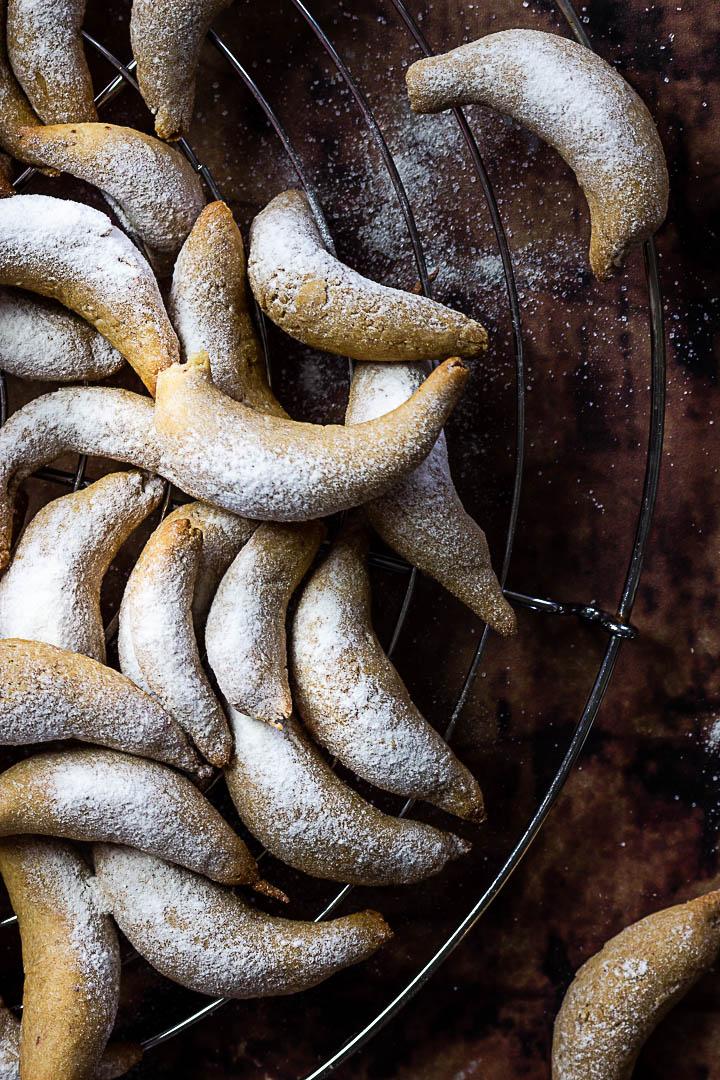 Vegan Vaille Kipferl Cookies (Vanilla Crescent)