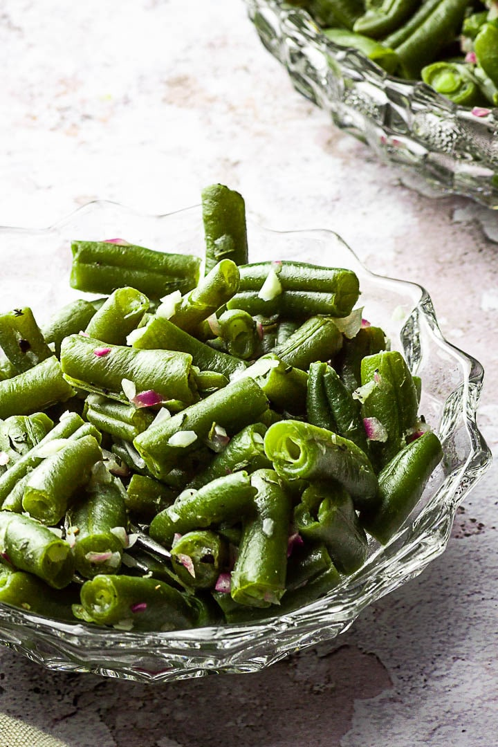 Vegan and Oil-free Green Bean Side Dish made with Onions, Herbs and Green Beans