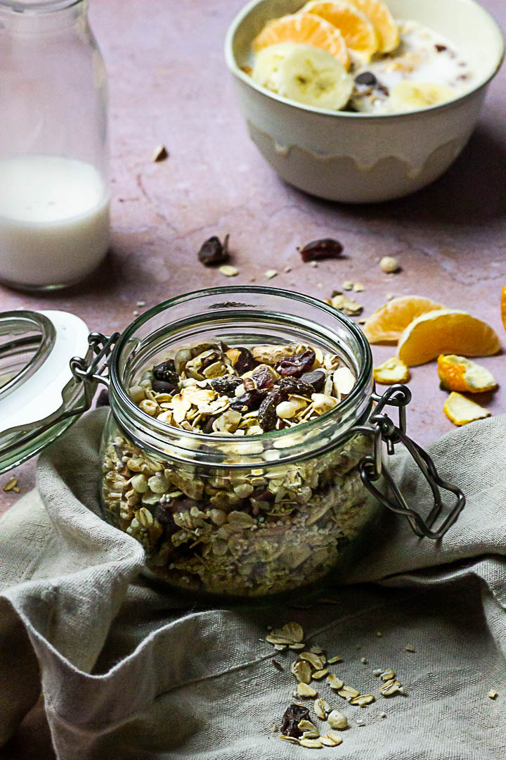 Sugar-free Muesli Mix with Quinoa, Amaranth, Rolled Oats, Cranberries and Chocolate Chips (vegan)