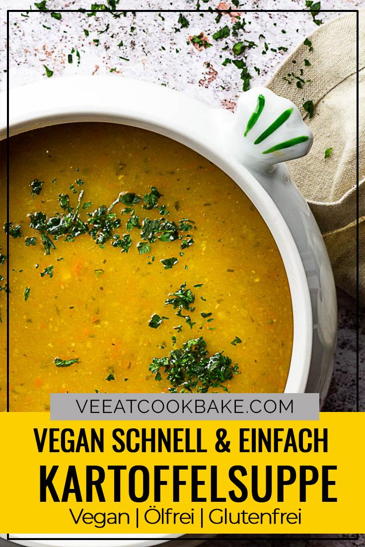 Vegane Kartoffelsuppe zubereitet mit wenigen Zutaten wie Kartoffeln, Karotten, Lauch und Knollensellerie