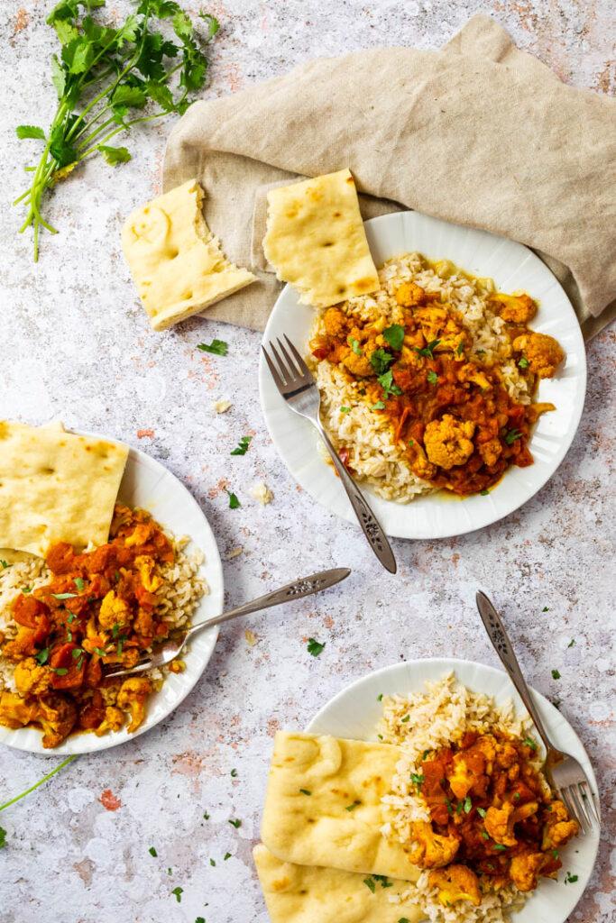 Veganes Tikka Masala mit Blumenkohl und authentischen Gewürzen. (vegetarisch, glutenfrei)