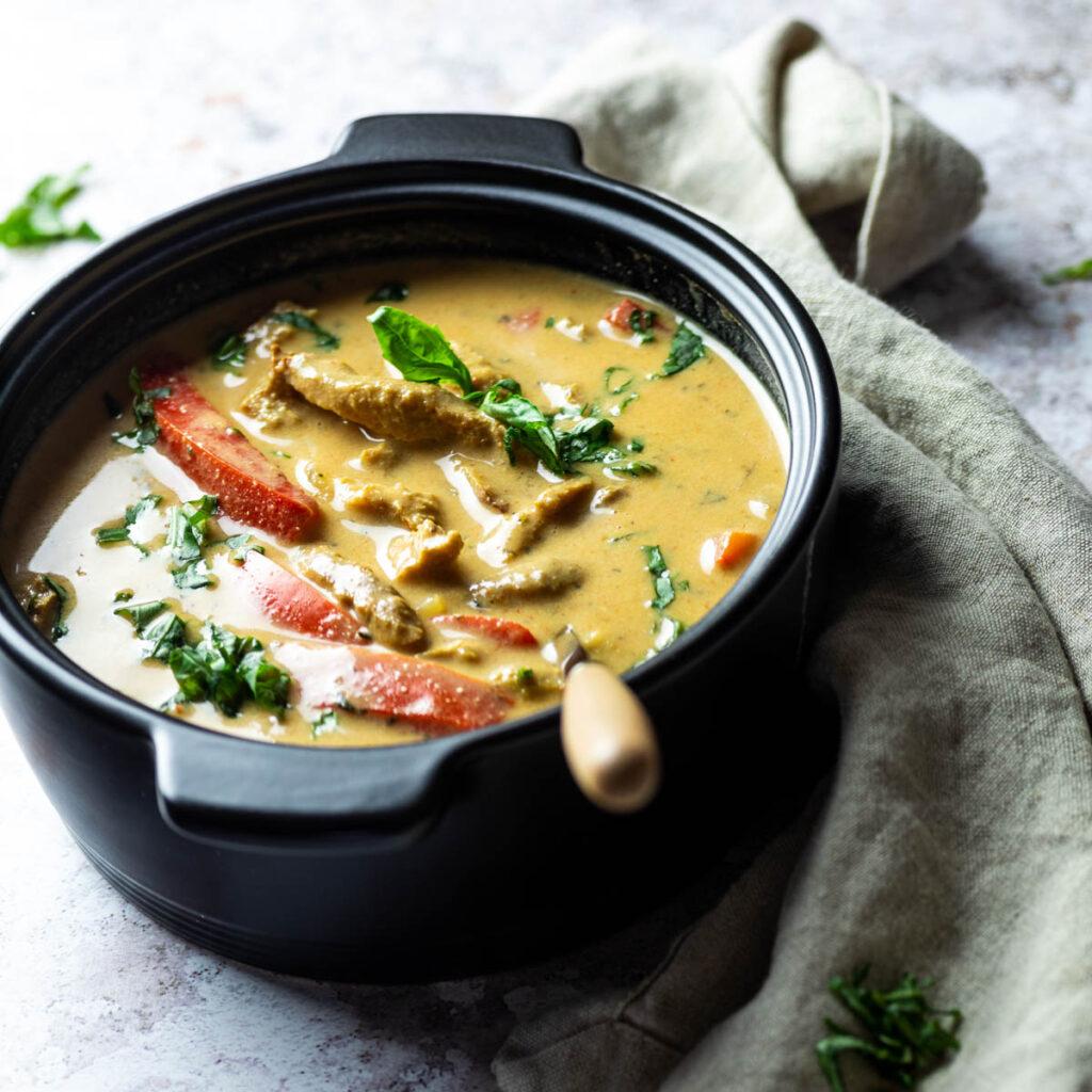 A pot full with vegan gyros soup