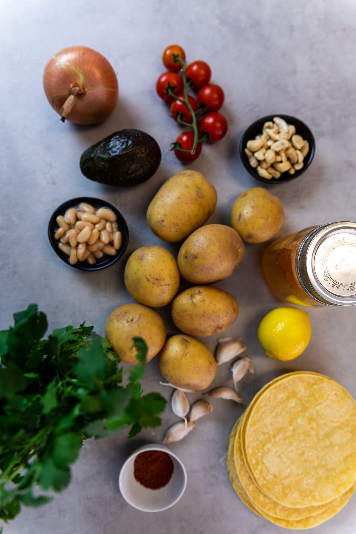 Zutatenaufnahme für die Kartoffel Tacos